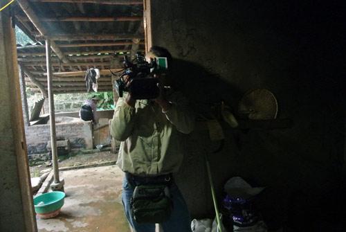 Vietnamese-TV-show-cameras